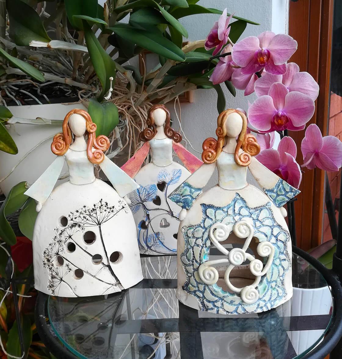 tři keramické princezny, panenky na svíčku, s květinovým a krajkovým motivem